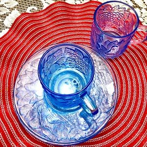 VINTAGE KIG ICE BLUE URANIUM GLASS 4 PLATES& 2CUPS